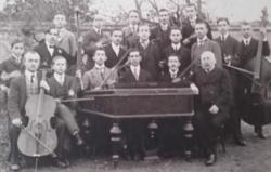 """LOCKER ISTVÁN eredeti  fotó, fénykép,fotográfia- A beregszászi  áll. főgimn. """"Zenekara"""" az 1911/12"""