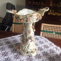 Porcelan kínáló