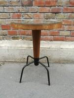 Fém fa kompozícójú bauhaus asztal