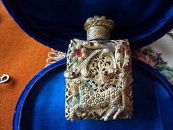 Parfümös fiola gyűjteményi_ borostyán szívű üvegbetéttel