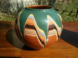 Gyönyörű színekben pompázó retro gömb váza vagy kaspó