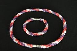 Kézműves ékszerszett - egyedi gyöngyhorgolt karkötő és nyakék  csavart csík mintával