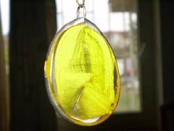 Kézmüves Sárga medál üvegolvasztással, lánccal