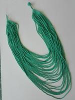 Többsoros türkiz színű nyaklánc