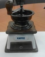Kobalt festett meisseni mintás fa-fém kávédaráló