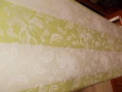 Halványzöld liliomos damaszt abrosz.116x135 cm.