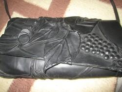 Régi táska különlegesség bőrdíszműves  szőlőmintás bőr táska 36x20 cm