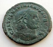 Maximianus ezüstözött follis.