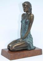 """Czobor Sándor """"Térdelő lány"""" c. bronzszobor eredetigazolással és ingyenes házhoz szállítással"""