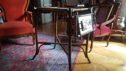 Zsúr asztal bambuszból Fischer kerámiával