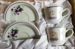 Újpesti Dózsa emlék. Hollóházi porcelán páros kávés szett ibolyás dózsa címer mintával díszdobozban