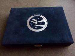 Új érmetartó doboz 2 tálcával, 45 mm-es fészkekkel/id 8273/