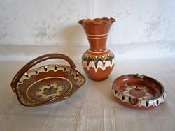 Különleges, pávaszem mintás kerámia váza, füles kosár és hamutál hibátlan állapotban