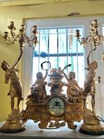 14.Lajos(loui)Francia Versailles-i óra ,gyertyatartóval.