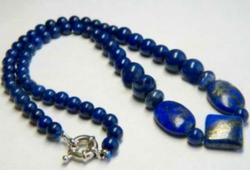 Természetes lapis lazuli, 6-10 mm-s gyöngyökből készült nyaklánc