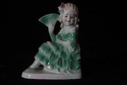 Porcelán hölgy legyezővel figura