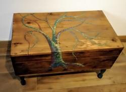 Dohányzó asztal régi fa ládából