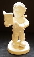 Hummel főzőcskéző kisfiú, 14 cm --- FEHÉR