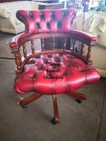 Gyönyörű,patinás,antik burgundi színű eredeti chesterfield irodai bőr forgószék (kapitányszék)!