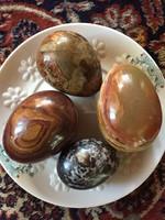 Gyönyörű onix tojások