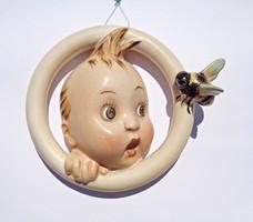 MJ. Hummel 30/OA. Fiú méhecskével porcelán gyűrű