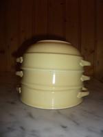 Halványsárga mázas gránit leveses tálkák
