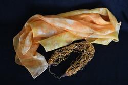 Felhőlánc selyemstólával - egyedi kézműves nyakék -  kézi festésű 100% selyem sállal