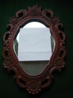 Faragott keretes tükör