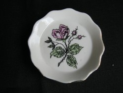 Aquincumi porcelán rózsás gyűrűtartó tálka