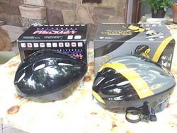Új Kerékpáros sisak-fejvédő-sporthoz  dobozában M-es