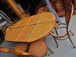 Thonett asztal + 6 db szék