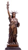 Hatalmas Szabadság bronz szobor