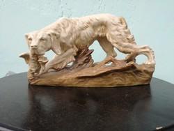 Antik Royal Dux nagyméretű vadászkutya.