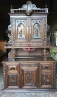 Gyönyörű antik ,dúsan faragott ,reneszánsz stílusú tálalószekrény!!