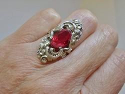 Különleges antik nagy rubinköves ezüst gyűrű