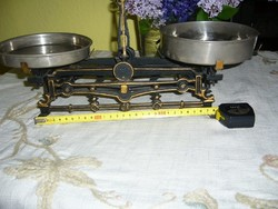120 éves mérleg Bécsből, felújítva , nikkelezett rézserpenyőkkel