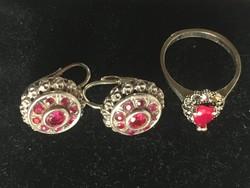 Fülbevalópár + gyűrű-ezüst rubinnal ,markazittal