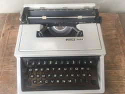 Olivetti dora táskaírógép