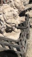 Királyi oroszlánpár márványból
