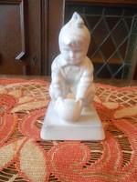 Zsolnay porcelán labdázó kisgyerek