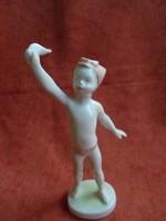 Aquincumi porcelán integető kislány figura