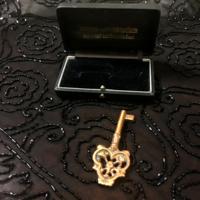 """""""Mennyország kulcsa""""Antik temetkezési kegytárgy vörösréz"""