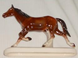 Német   porcelán vitrintárgy,   ló figura