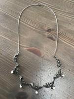 Régi ezüst nyaklánc igazgyöngyökkel markazitokkal