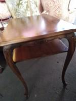 Warrings kis asztal 75x55x65cm magas