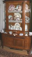 Antik barokk vitrin és  fiókos tálaló