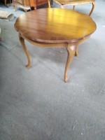 Chippendél barok kerek dohányzó asztal 90cm átmérőjű és58cm magas