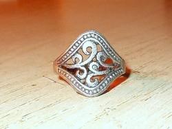 Díszes Tibeti ezüst uniszex ötvös gyűrű 7.5-es