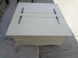 Dohányzó asztal, kétoldalt felnyitható