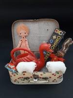 Nosztalgia játék csomag - retro játékszerek egy gyerek bőröndben, kofferban